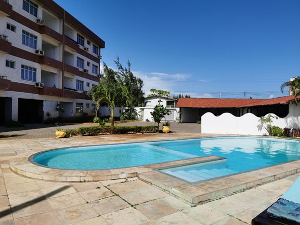 Main Photo of a 4 bedroom  Apartment for sale