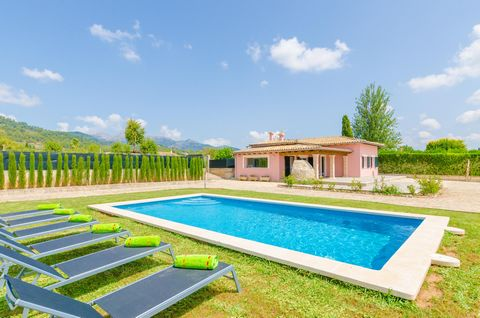 Set in Lloseta, at the foot of the Tramuntana mountains, this modern house with pool and garden offers accommodation to 6 guests. With mountain views, the private salt water pool is in the middle of the well-kept garden. After having a good night's s...