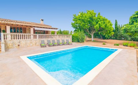 Magnificent villa with pool on the outskirts of Palma de Mallorca and it can accomodate 6 guests. Ready to start the day with a refreshing and relaxing swim in the chlorine pool? You can spend the morning enjoying its 8 x 4 meter and its meter and ha...