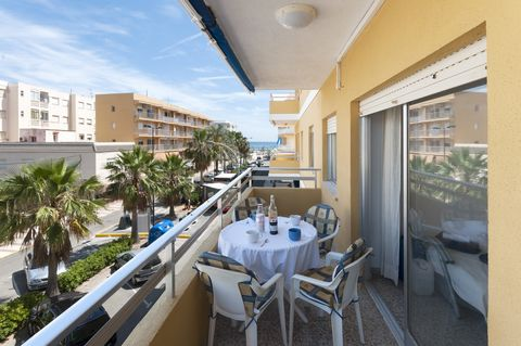 Set 200 meters from Daimuz beach, this cozy apartment can comfortably accommodate 4 people. This simple but comfortable apartment is located on the second floor without elevator. A delicious breakfast before going to the beach is the perfect way to s...