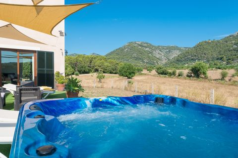 Tucked away somewhere in the Tramuntana mountains, near Campanet, you will find this extraordinary house for 2 - 4 guests. The house is on the same plot like Fincahotel Monnaber Nou. This house lies in one of the most spectacular settings within the ...