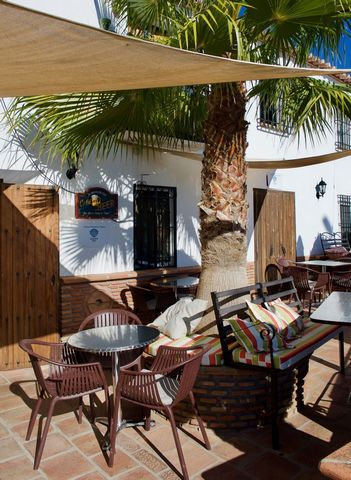 A unique opportunity to acquire this wonderful bar and restaurant with several price options, to either rent or buy outright. This fantastic restaurant has been one of the areas most popular venues for many years which appeals to locals, local expats...