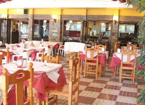 Magnificient Restaurant for sale in the center of Marbella town, in the area of Miraflores. This Restaurant has been working very good for more than 30 years. The restaurant has their own costumers for many years, they daily service for 100 clients, ...