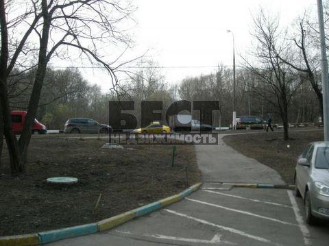 Более 3-х лет в собственности,прямая продажа,отличное состояние,красивый подъезд.рядом Тропаревский парк.д/сады,школы.