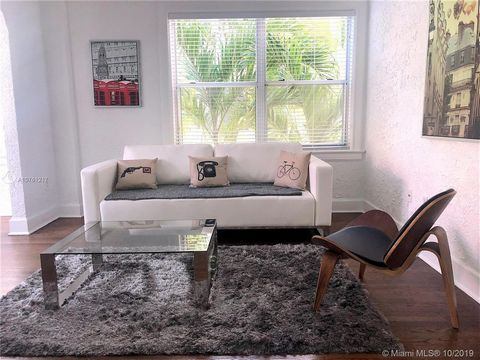 This condo is a gem. Owner completely renovated residence to include kitchen, bathroom and common areas. Gorgeous South Beach style furniture and decorations make you feel like you are in a tropical paradise. You will feel right at home the moment yo...