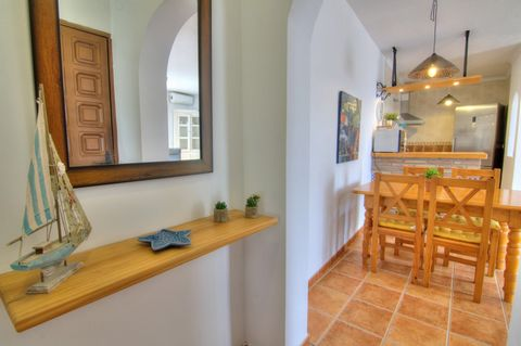 Apartment located within walking distance of the beach in a quiet area perfect to disconnect for a few days. The large terrace is ideal for dining with family or friends, and enjoy the sun all day. Thanks to its orientation the apartment is very brig...