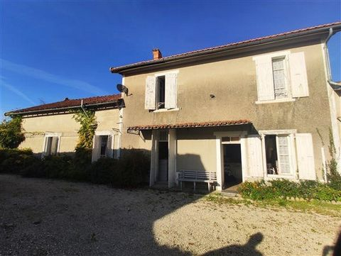 Lovely oldhouse with 125m², comprising 2 sitting rooms and 2 bedrooms. It has a new roof, recent electrics and double glazing. The second house is an old café full of charm, with new roof,exposed beams and stonework, a superb open plan 42m² living ro...