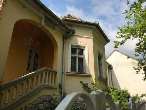 Amazing 4 Bedroom House, Tata, Hungary Euroresales Property ID – 9826038 LOCATION: Erzsèbet Kiràlynè tèr 5 Tata Hungary 2890 PROPERTY OVERVIEW: Tourism in Hungary is going through a golden are right now and a quick glance around areas such as the bea...