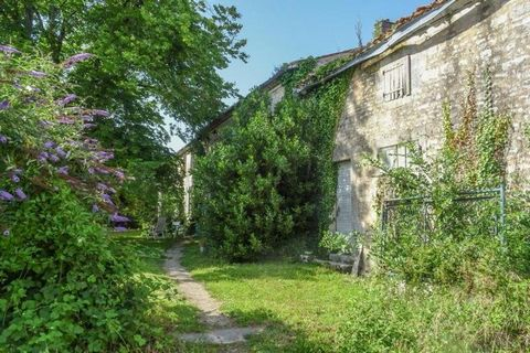 Property Features Bedrooms : 3 Bathrooms : 1 Reception Rooms : 1 Habitable area (m2) : 160 Outbuildings : Yes State of Repair : Renovation Drainage : Septic tank Heating system : Wood fired central heating + fireplaces Taxe foncière (EUR) : tbc Neare...