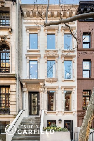 Situated on the south side of a highly desired tree-lined block between Madison and Park Avenues, 68 East 91st Street offers a downtown feel with an uptown address. Dating back to 1887, this historic home features an elegant ivory facade and original...