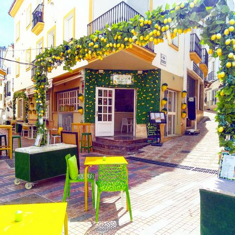 Established cocktail bar and tapas restaurant business situated at the edge of the historic old town and just 500m away from the sea, the place is in the most touristic area in Marbella. Surrounded by hotels and sightseeings such as museums and the f...