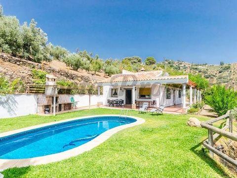 Propiedad en España. 3 dormitorios. 1 baño Terraza.