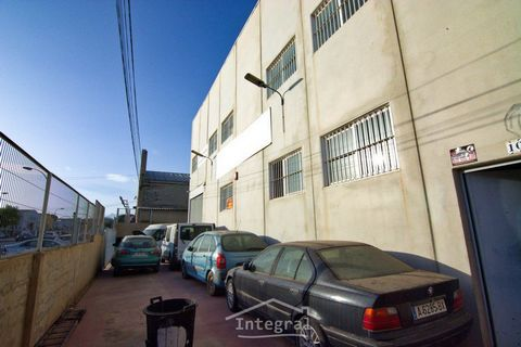 Industrial warehouse that currently works as a car workshop. It is spacious, bright, and very well located in a neuralgic point of San Juan de Alicante. It has three floors, office, bathrooms, and several additional rooms. In front of the nave there ...
