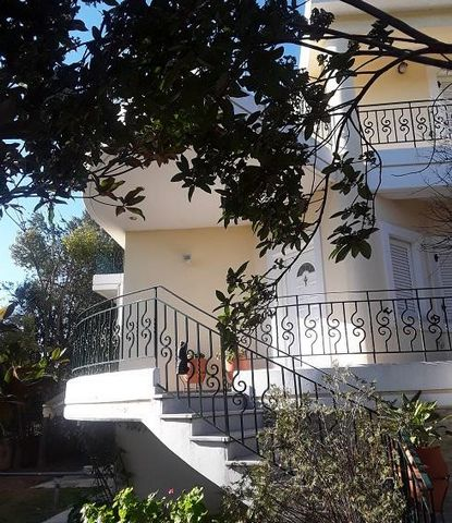 Vrachati, Corinthia, Peloponnese. For sale a  maisonette of  227 sq.m. high aesthetics  of construction specifications, perfectly furnished and decorated with all its materialequipment in excellent condition on a plot of 520 sq.m. near the sea, with ...