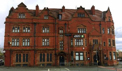 Perfectly Located Apartment for Sale, Manchester, England PROPERTY LOCATION: 220-224 Waterloo Rd, Cheetham Hill, Manchester, United Kingdom, M8 OTL Euroresales Property ID – 9826086 PROPERTY OVERVIEW For decades now, Manchester has been the driving f...