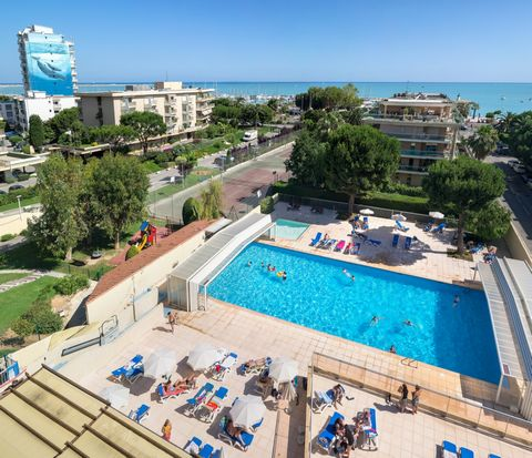 Your residence: In a quiet area facing the marina, the Pierre & Vacances Heliotel Marine residence is ideally situated 100m from beaches. The residence offers a swimming pool (coverable), a children's pool, 2 tennis courts and a playground and offers...