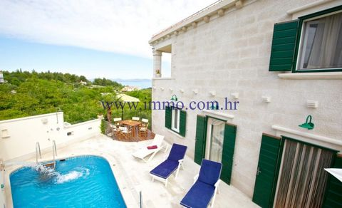 BRAČ, VILLA WITH SWIMMING POOL A stone villa surrounded by beautiful terraces for sale. It enjoys a gorgeous sea view and complete privacy. This villa preserved authentic and traditional charm from the outside. Interior is modern, comfortable and equ...