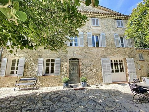 Charming, complete renovated stone mas from 19th century at 1.5km from Claviers village in the provençal and green country-side from the Cote d'Azur. Offering around 190 m² living space: great living room with high ceiling, dining room, relax room wi...