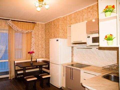 Сдается квартира на длительный срок, есть вся необходимая мебель и бытовая техника для комфортного проживания, в соседях живут спокойные люди, рассмотрим чистоплотных и платежеспособных жильцов