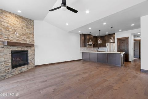 Last three townhomes available in our highly anticipated Phase 7. Black Rock Ridge townhome just 7 minutes to Main Street Park City with outstanding views of Deer Valley and Park City Mountain Resort. Fully upgraded to include a fireplace, covered de...