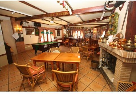 Fantastic FREE HOLD detached Restaurant Bar 290sqm in great location on the Costa Blanca North close to the of El Portet beach 8 minute walk away. 10 minute walk to Moraira town. Outside terrace accommodates 20 tables+ with large car park and in side...