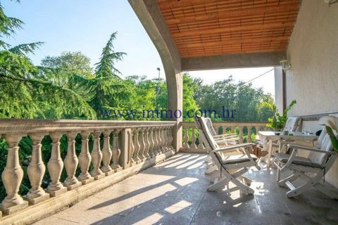 RESIDENTIAL AND COMMERCIAL BUILDING NEAR OPATIJA FOR SALE Residential and commercial building of approx. 580 sq.m. brutto for sale, situated on the plot of 2117 sq.m. near Opatija. This object is divided into two parts: residential part of approx. 45...