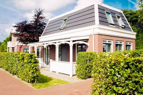 Bungalowparck Tulp en Zee in Noordwijk, with the city center 5 km away. That is a recreation on our bungalow park in a beautiful setting. Between the bulb fields, with the dunes and the beach a few hundred meters away. In all seasons it's beach weath...