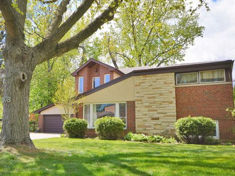 SEEING IS BELIEVING... Conscientious buyers in demand for a distinctly acclaimed, prestigiously-ranked high school combined with a highly-coveted location to raise their loved ones shall look no further. Welcome to this brick-encased 3 bedroom 3 bath...