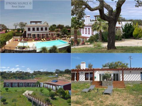 Magnífica propriedade no Alentejo Litoral a 15 minutos (16 km) da aldeia e praias de Porto Côvo, a 30 minutos (30 km) de Vila Nova de Mil Fontes e da vila de Sines, a 1 hora 50 minutos (160 km) de Lisboa e a 1 hora 45 minutos (160 km) do Algarve (Alb...