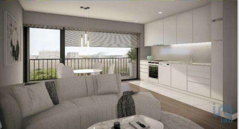 Fração N (2ºandar) - Apartamento T1, em construção, com 47 m2. A sua proximidade a serviços, educação, lazer e acessos às principais vias, fazem deste empreendimento, uma opção equilibrada para quem procura viver na cidade, junto à praia e próximos d...