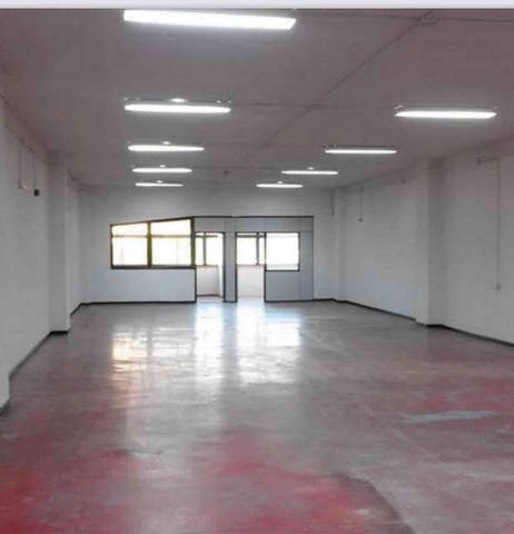 Comercial Premise for sale in Madrid, with 43 m2 and 1 Washroom.