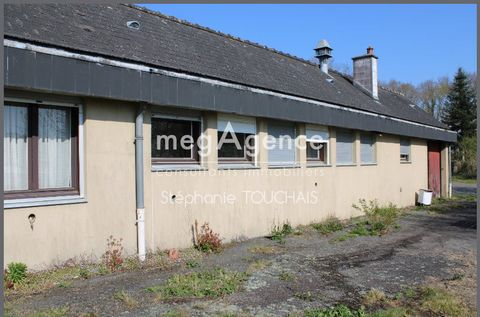 megAgence offers you this block building of 200 m² from 1980 to refresh, located on and with a plot of 1850 m², covered in slate composed of 10 rooms including entrance, two old cold rooms, a shed, offices, laboratories, hallway, sanitary and garage....