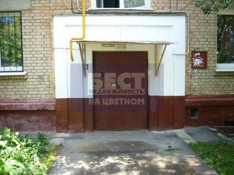 Эксклюзивный договор с Бест-недвижимость. Продается большая квартира в сталинском доме в пешей доступности от метро. Зеленый двор. Распашонка. Требует ремонта. Оперативный показ. КЛЮЧИ НА РУКАХ.