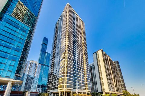 Classic Chicago. Floor to ceiling windows that allow natural light to flood into this 2 bed/2bath condo. Fabulous skyline, park, and treetop views from each room. Custom-crafted cabinetry. Spacious rooms. Cozy kitchen, Brand new in 2021: fresh paint,...