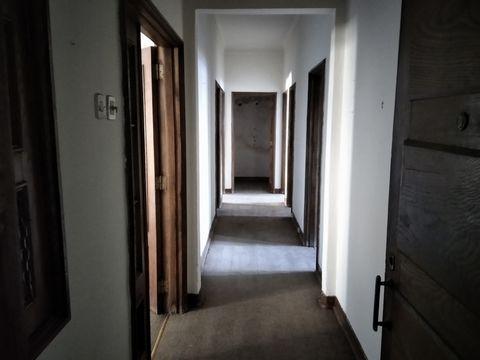 Pretende comprar um apartamento com 5 quartos na avenidana Gen Humberto Delgado, Castelo Branco. Apartamento à vendaem Castelo Branco no distrito de Castelo Branco , com 4 quartos e 2 casas de banho e uma área de 120 metros quadrados. Gostaria de sab...