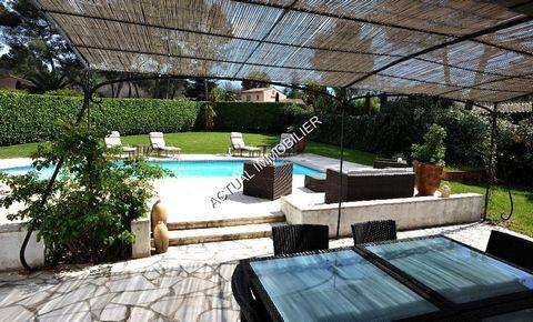 Dans un secteur privilégié de Mouans Sartoux, belle propriété de 140 m² habitable sur 1500 m² de terrain plat avec piscine de 9X5. Construction de 1990 de 5/6 pièces, dépendance et appenti pour 2 voitures, 10 places de parkings. Dans un lotissement f...