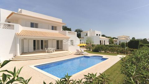 Lovely three bedroom villa situated within a family resort. Spacious entrance hall that leads you to one bedroom en suite, one guest bathroom, a spacious living and dining room with fireplace with patio doors that opens up to a covered terrace. Fully...