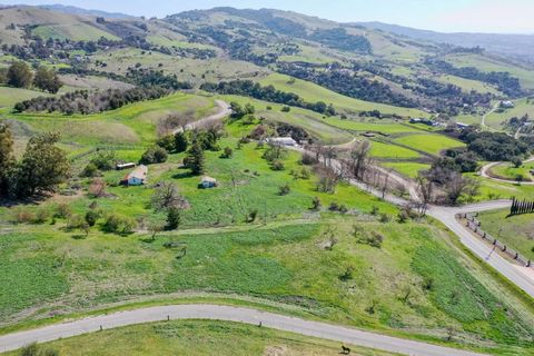 HAVE IT YOUR WAY Large custom home togo with connection to some wine co. For vineyard to go with fruit and truffle orchards. Possible large lake to go with view of Santa Clara Valley lights. Maybe a subdivision with large acres and homes with valley ...