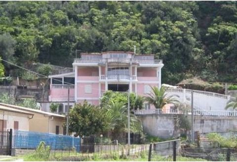 Euroresales Property ID – 9825202 Property information: For sale is this three-bedroom, two-bathroom ground floor apartment, located in Fuscaldo Sotte Le Timpe, Paola, Italy. This property comes fully furnished throughout and has a reception room. Th...