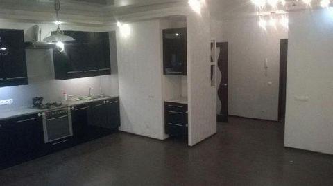 Сдаю однушку в Люберцах с хорошим ремонтом и интерьером. В квартире присутствует все, пригодное для комфортной жизни, вай фай, стиральная машина, холодильник, плита. Сдаю хорошим доброжелательным людям. Звонить в дневное время.