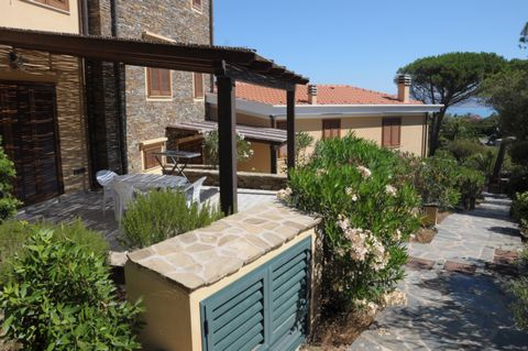 All the apartments are located in l'Ancora di Stintino. Stintino is an ancient fishing village served by every comfort that has made tourism its main resource, ideal for both families and young people, nice restaurants, bars and stalls to accompany y...