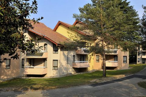 An exceptional location on the border of Geneva Lake (Léman Lake), overlooking the pre-Alps of Chablais, cradle of natural mineral water, the resort of Evian will always charm you. The village is located in an exceptional setting, 800 meters away fro...