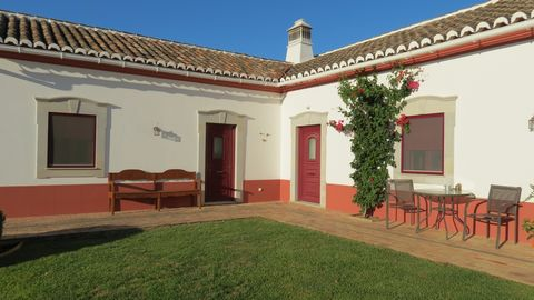 "Small ""Quinta"" in rural location, but only a 5 minutes drive to the centre of São Brás de Alportel. Single storey house of traditional algarvean style, good finishings, built in 2006 and easily adaptable to people with reduced mobility. Composed of e..."