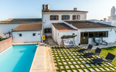 Large rural finca for up to 11 people on the outskirts of Inca, in the centre of the island of Mallorca. Located at the foot of the Sierra de Tramuntana mountain range this property is ideal for family and group gatherings, cycling trips and for spen...