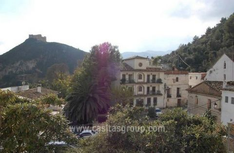 A Well priced Apartment in the Vall de la Gallinera, which would make an excellent holiday home or retirement base for a lover of tranquility And the real Spanish Village feel, yet just a short drive from the Coast of Denia and Oliva. The Lounge/Dine...