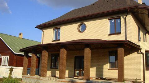 Номер объекта: 38624 Продается уютный, солнечный дом, расположенный в одном из лучших районов с развитой инфраструктурой Энка (рядом школы, д/сады, ТЦ Красная площадь). Построен по индивидуальному дизайн-проекту, поэтому при проектировании продумано ...