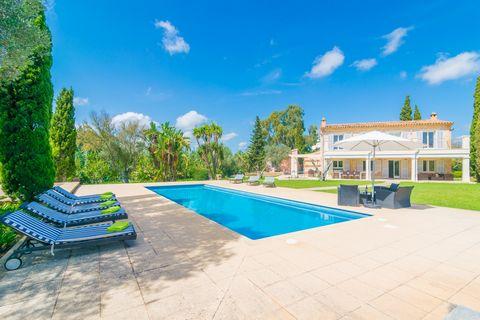 Bienvenidos a esta imponente y elegante casa de campo con piscina, situada en Capdepera, con capacidad para 10 huéspedes. La villa, con unos exteriores de ensueño, cuenta con gran jardín y una magnífica piscina de cloro, cuya forma alargada invita a ...
