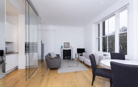 The apartment has recently been refurbished to a very high standard and includes a large and extremely bright lounge with dining area and contemporary open space, fully equipped kitchen, double bedroom with fitted wardrobes, additional bedroom and mo...